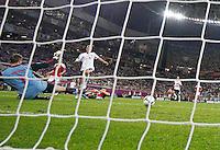 LVIV, UCRANIA, 17 JUNHO 2012 - EURO 2012 - ALEMANHA X DINAMARCA - Lars Bender jogador da Alemanha marca gol contra a Dinamarca em partida pelo terceira rodada do grupo B da Euro 2012 em Lviv na Ucrania neste domingo, 17. (FOTO: PIXATHLON / BRAZIL PHOTO PRESS).