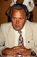 jacques Proulx<br /> , President de l'union des Producteurs Agricoles<br /> au debut des annes 90<br />  (date exacte inconnue)<br /> <br /> PHOTO : Agence Quebec Presse