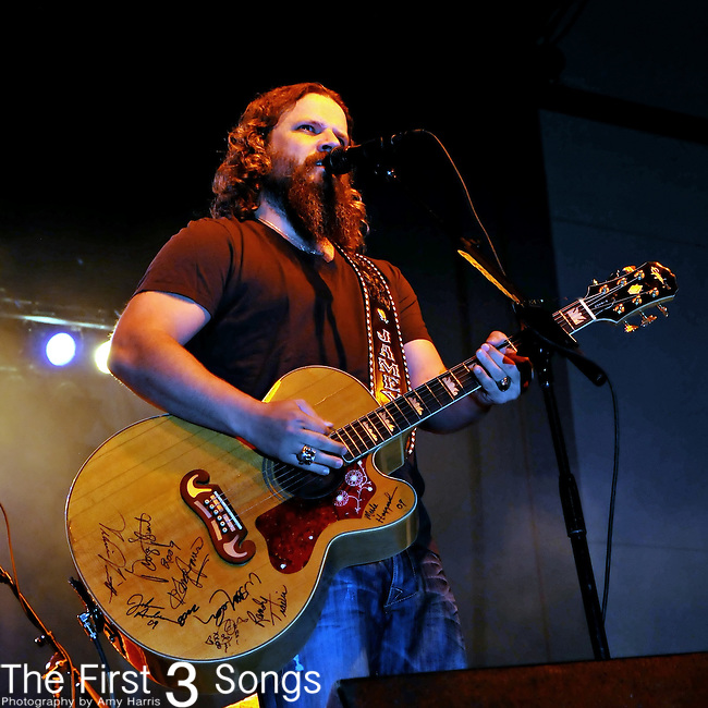 Jamey Johnson performs at the Ohio Expo Center in Columbus, Ohio on August 2, 2009.