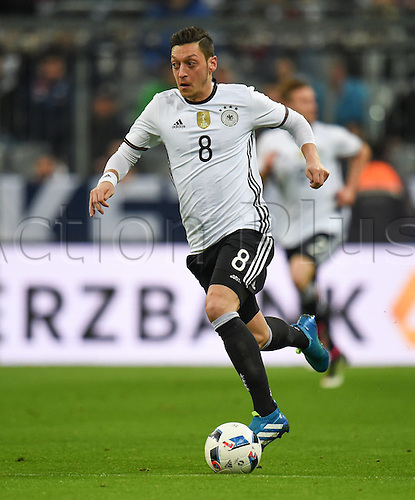 29.03.2016. Munich, Germany. International soccer match between Germany and Italy, at the Allianz Arena in Munich.   Mesut Oezil (Ger)