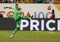 CHICAGO - UNITED STATES, 22-06-2016: David Ospina Jugador de Colombia  durante partido por la semifinal  entre Colombia (COL) y Chile (CHI)  por la Copa América Centenario USA 2016 jugado en el estadio Soldier Field en Chicago, USA.  /  David Ospina Player of Colombia (COL)  during a match for the semifinal between Colombia (COL) and Chile  (CHI) for the Copa América Centenario USA 2016 played at Soldier Field  stadium in Chicago, USA. Photo: VizzorImage/ Luis Alvarez /Cont.