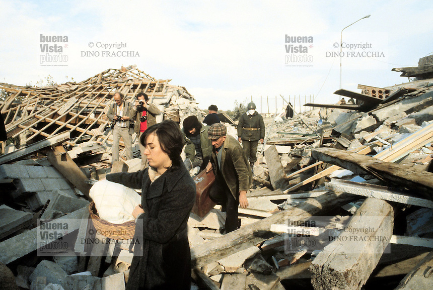 - terremoto in Irpinia (novembre 1980)....- earthquake in Irpinia (November 1980)..