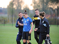 20161029 - ZWEVEZELE , BELGIUM : injury for Club Brugge's Tine Blomme  pictured during a soccer match between the women teams of KSK Zwevezele and Club Brugge  , during the seventh matchday in the 2016-2017  Tweede klasse - Second Division season, Saturday 29 October 2016 . PHOTO SPORTPIX.BE | DIRK VUYLSTEKE