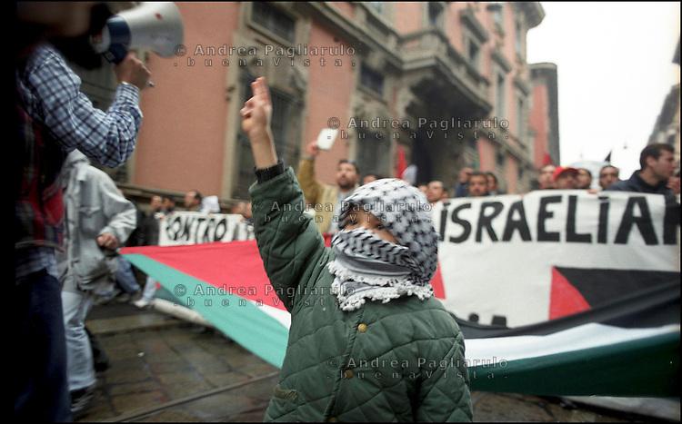 Milano,  manifestazione dell'Associazione palestinesi d'Italia contro l'offensiva israeliana nella Striscia di Gaza. <br /> Milan, demonstration of palestinians living in Italy against the israeli attacks in the Gaza Strip.