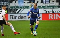 Bastian Oczipka (FC Schalke 04) gegen Marius Wolf (Eintracht Frankfurt) - 16.12.2017: Eintracht Frankfurt vs. FC Schalke 04, Commerzbank Arena, 17. Spieltag Bundesliga