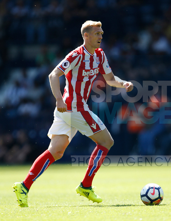 Darren Fletcher of Stoke City during the premier league match at the Hawthorn's Stadium, West Bromwich. Picture date 27th August 2017. Picture credit should read: Simon Bellis/Sportimage