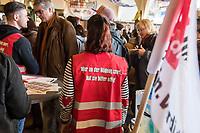 Warnstreik und Demonstration von ver.di-Berlin am Mittwoch den 27. Februar 2019.<br /> 27.2.2019, Berlin<br /> Copyright: Christian-Ditsch.de<br /> [Inhaltsveraendernde Manipulation des Fotos nur nach ausdruecklicher Genehmigung des Fotografen. Vereinbarungen ueber Abtretung von Persoenlichkeitsrechten/Model Release der abgebildeten Person/Personen liegen nicht vor. NO MODEL RELEASE! Nur fuer Redaktionelle Zwecke. Don't publish without copyright Christian-Ditsch.de, Veroeffentlichung nur mit Fotografennennung, sowie gegen Honorar, MwSt. und Beleg. Konto: I N G - D i B a, IBAN DE58500105175400192269, BIC INGDDEFFXXX, Kontakt: post@christian-ditsch.de<br /> Bei der Bearbeitung der Dateiinformationen darf die Urheberkennzeichnung in den EXIF- und  IPTC-Daten nicht entfernt werden, diese sind in digitalen Medien nach §95c UrhG rechtlich geschuetzt. Der Urhebervermerk wird gemaess §13 UrhG verlangt.]