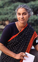 INDIA, Mumbai, portaiture of Medha Patkar the leader of NBA Narmada Bachao Andolan, movement to save the Narmada / INDIEN, Mumbai, Medha Patkar, Leiterin der NBA Narmada Bachao Andolan, Bewegung zur Rettung der  Narmada