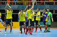 CALI -COLOMBIA-13-09-2016: Jugadores de Colombia saludan al público durante el encuentro del grupo A entre Colombia y Uzbekistán de la Copa Mundial de Futsal de la FIFA Colombia 2016 jugado en el Coliseo del Pueblo en Cali, Colombia. / Players of Colombia greet the public during the match of the group A between Colombia and Uzbekistan of the FIFA Futsal World Cup Colombia 2016 played at Metropolitan Coliseo del Pueblo in Cali, Colombia. Photo: VizzorImage/ NR / Cont