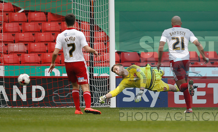 George Long of Sheffield Utd tips the ball past the post during the Sky Bet League One match at The Bramall Lane Stadium.  Photo credit should read: Simon Bellis/Sportimage