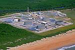 Tanques de armazenamento de óleo. Linhares. Espírito Santo. 2009. Foto de Zig Koch.
