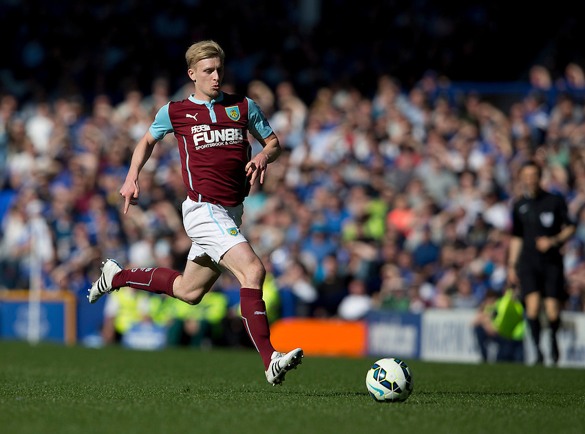 Burnley's Ben Mee<br /> <br /> Photographer Stephen White/CameraSport<br /> <br /> Football - Barclays Premiership - Everton v Burnley - Saturday 18th April 2015 - Goodison Park - Everton<br /> <br /> &copy; CameraSport - 43 Linden Ave. Countesthorpe. Leicester. England. LE8 5PG - Tel: +44 (0) 116 277 4147 - admin@camerasport.com - www.camerasport.com