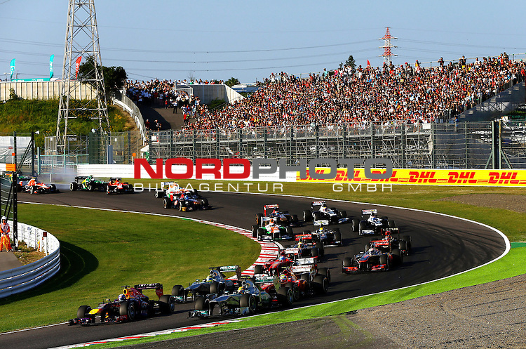 03.06.10.2013, Korea-International-Circuit, Yeongam, KOR, F1, Gro&szlig;er Preis von S&uuml;dkorea, Yeongam, im Bild DHL Branding - Race Start - Sebastian Vettel (GER), Red Bull Racing - Lewis Hamilton (GBR), Mercedes GP <br /> for Austria &amp; Germany Media usage only!<br />  Foto &copy; nph / Mathis