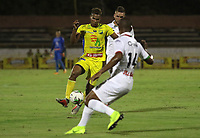 NEIVA- COLOMBIA, 28-04-2019:Acción de juego entre los equipos   Atlético Huila y el Once Caldas  durante partido por la fecha 18 de la Liga Águila I 2019 jugado en el estadio Guillermo Plazas Alcid de la ciudad de Neiva. / Action game between teams  Atletico Huila and Once Caldas during the match for the date 18 of the Liga Aguila I 2019 played at the Guillermo Plazas Alcid Stadium in Neiva  city. Photo: VizzorImage / Sergio Reyes / Contribuidor.