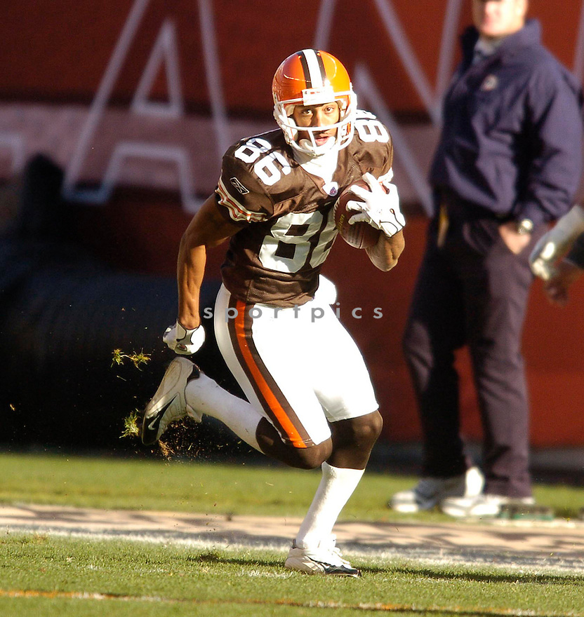 Dennis Northcutt, of the Cleveland Browns, in action, during their game against the Miami Dolphins on November 20, 2005...Browns win 22-0..Chris Bernacchi / SportPics