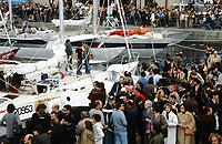 Première Route du Rhum, 1978. Les voiliers à quai au port de Saint-Malo. Au premier plan, Rogue Wave, skipper Philip S. Weld, arrivé 3e. Au fond, Kriter IV, 4e position.