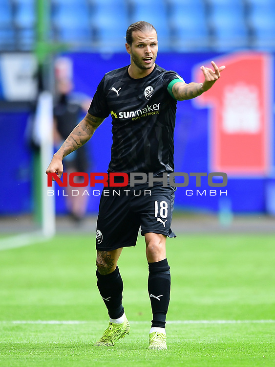 Dennis Diekmeier (Sandhausen)<br />Hamburg, 28.06.2020, Fussball 2. Bundesliga, Hamburger SV - SV Sandhausen<br />Foto: Tim Groothuis/Witters/Pool//via nordphoto<br /> DFL REGULATIONS PROHIBIT ANY USE OF PHOTOGRAPHS AS IMAGE SEQUENCES AND OR QUASI VIDEO<br />EDITORIAL USE ONLY<br />NATIONAL AND INTERNATIONAL NEWS AGENCIES OUT