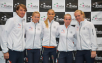 Februari 06, 2015, Apeldoorn, Omnisport, Fed Cup, Netherlands-Slovakia, Draw, Cityhall, Dutch team, l.t.r.: captain Paul Haarhuis, Michaella Krajicek, Arantxa Rus, Richel Hogenkamp and Kiki Bertens<br /> Photo: Tennisimages/Henk Koster