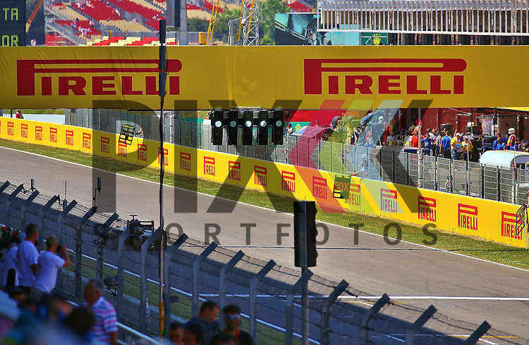 Barcelona, 10.05.15, Motorsport, GP Spanien 2015<br /> <br /> Foto &copy; P-I-X.org *** Foto ist honorarpflichtig! *** Auf Anfrage in hoeherer Qualitaet/Aufloesung. Belegexemplar erbeten. Veroeffentlichung ausschliesslich fuer journalistisch-publizistische Zwecke. For editorial use only.