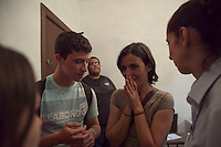 SAO PAULO, SP, 31 AGOSTO 2012 - ELEICOES SP - SONINHA FRANCINE - SP - A Candidata a prefeitura de Sao Paulo, Soninha Francine (PPS) participa de um almoço na Associação dos Procuradores do Município de São Paulo nesta tarde de sexta-feira (31) na regiao central da capital paulista, antes, porem, a candidata atendeu alguns adolescentes que a esperavam, dentreo da associacao,  para tentar realizar uma entrevista para um trabalho escolar. FOTO Ricardo Lou - BRAZIL PHOTO PRESS