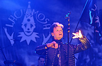 """WGT 2013 - Auftritt fder Band """"Lacrimosa"""" am Pfingstsonntag auf der Agra - Lacrimosa (lat., ?die Tränenreiche?) ist der Name eines Musikprojekts, gegründet 1990 vom Wahlschweizer Tilo Wolff (im Bild) . Foto: Norman Rembarz"""