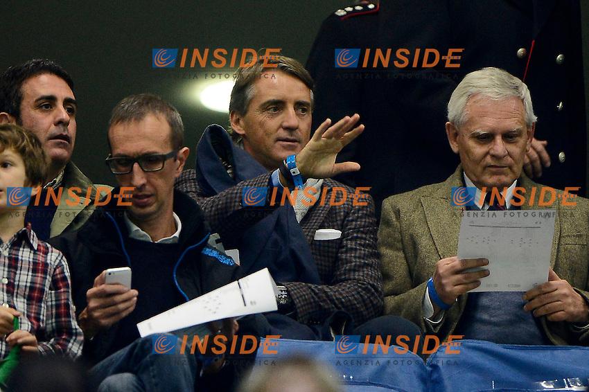 Roberto Mancini con il padre Aldo Mancini<br /> Milano 16-11-2014 Stadio Giuseppe Meazza, Football Calcio Euro2016 Qualifying Round Group H . Qualificazioni Campionato Europeo 2016 . Italy - Croatia / Italia - Croazia. Foto Giuseppe Celeste / Insidefoto