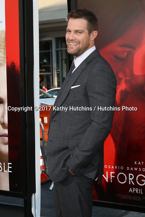"LOS ANGELES - APR 18:  Geoff Stults at the ""Unforgettable"" Premiere at TCL Chinese Theater IMAX on April 18, 2017 in Los Angeles, CA"