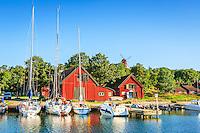 Gruvbryggan gästhamn med båtar på Utö i Stockholms skärgård/ Stockholm archipelago Sweden