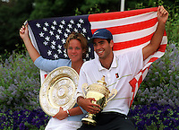 PETE SAMPRAS AND LINDSAY DAVENPORT (USA) WITH CHAMPIONSHIP TROPHIES WIMBLEDON CHAMPIONSHIPS 04/07/99 PHOTO ROGER PARKER FOTOSPORTS INTERNATIONAL