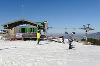 Skilift am Ofterschwanger Horn im Allgäu, Bayern, Deutschland<br /> ski lift at  Ofterschwanger Horn, Allgäu, Bavaria, Germany