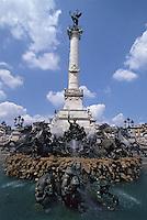 Europe/France/Aquitaine/33/Gironde/Bordeaux: Place des Quinconces, les chevaux de la fontaine du monument des girondins (1827) et le monument des girondins
