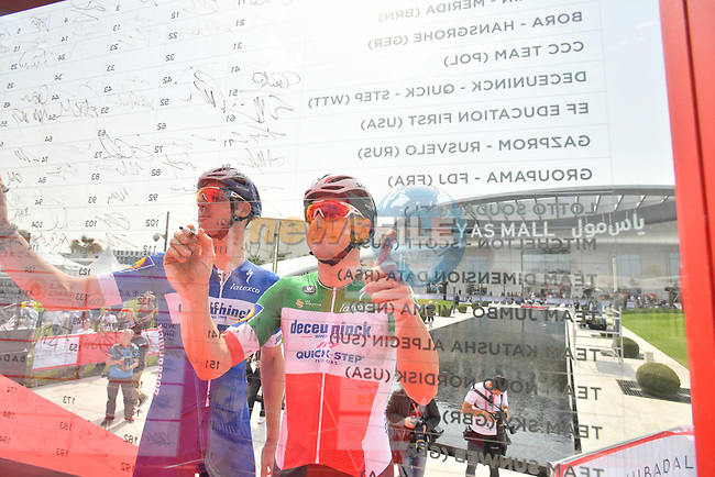 Italian National Champion Elia Viviani (ITA) Deceuninck-Quick Step signs on before the start of Stage 2 of the 2019 UAE Tour, running 184km form Yas Island Yas Mall to Abu Dhabi Breakwater Big Flag, Abu Dhabi, United Arab Emirates. 25th February 2019.<br /> Picture: LaPresse/Massimo Paolone | Cyclefile<br /> <br /> <br /> All photos usage must carry mandatory copyright credit (© Cyclefile | LaPresse/Massimo Paolone)