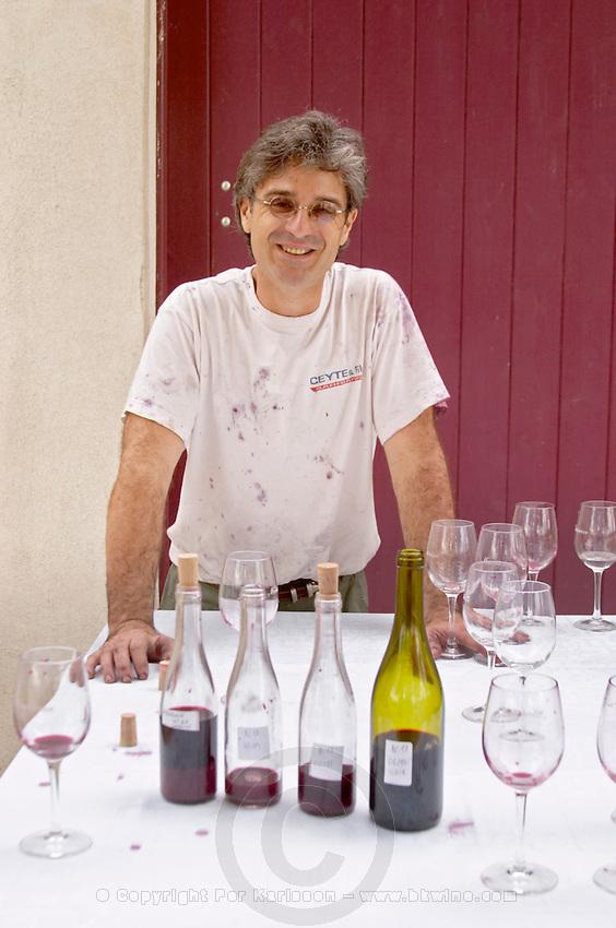 wine sample bottles Eric Saurel owner domaine montirius vacqueyras rhone france