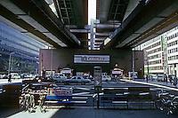 Osaka: Overhead freeway. Photo '82.