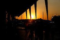 SAO PAULO, SP, 22.08.2014 - POR DO SOL - SAO PAULO - Vista do Por-do-Sol a partir da regiao norte da cidade de Sao Paulo, nesta sexta-feira. (Foto: Vanessa Carvalho / Brazil Photo Press).