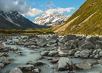 Aoraki Mount Cook 3724m, highest peak of Southern Alps, viewed through Hooker Valley over Hooker River, Aoraki Mount Cook National Park, Mackenzie Country, UNESCO World Heritage Area, South Island, New Zealand, NZ