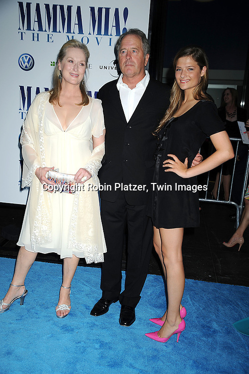 9549 Meryl Streep and family.jpg | Robin Platzer/Twin Images
