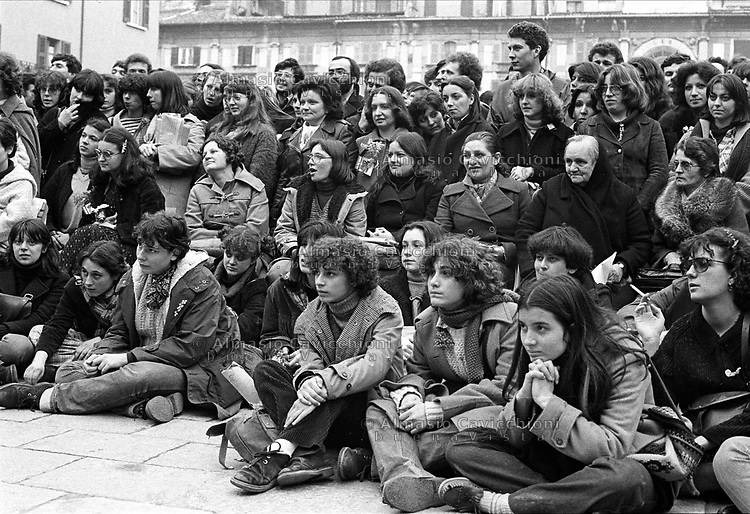 Brescia: incontro delle donne in piazza per festeggiare l' 8 Marzo. 1978.<br /> Brescia:  women meeting  to celebrate the International Women's Day March 8. 1978