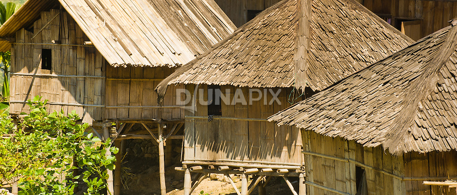 Traditionalo bamboo homes, near Liang Bua village, Manggarai, Flores.