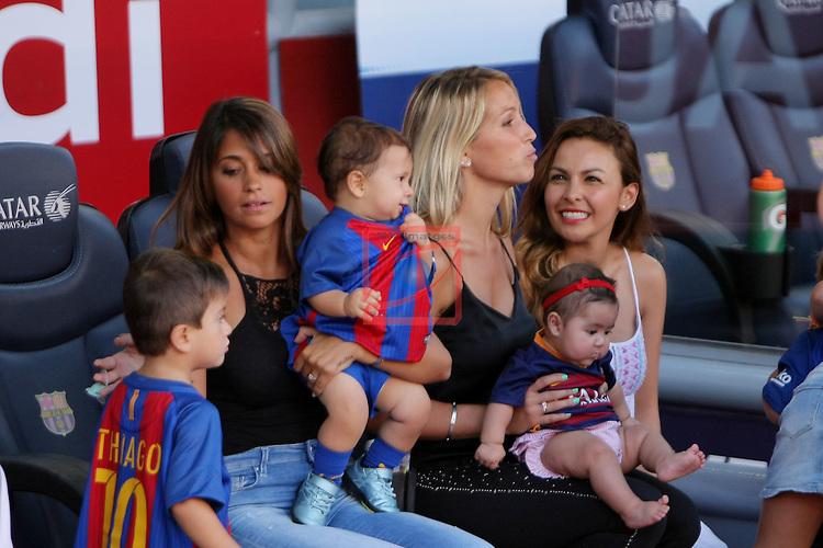 League Santander 2016/2017. Game: 1.<br /> FC Barcelona vs Real Betis: 6-2.<br /> Antonella Roccuzzo, Sofia Balbi &amp; Carla Pardo.