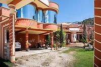 A house built by Mario de la Cruz. San Juan Chamula. Arquitectura Libre / Free Architecture, Chiapas, Mexico