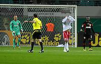 Fussball, DFB-Pokal 2. Runde, Saison 2011/2012, RB Leipzig - FC Augsburg, Dienstag (25.10.11), Red Bull Arena, Leipzig: Nach starkem Druck aufs Tor ist Bulle Da Silva Rockenbach (2.v.r., RB) enttäuscht .<br /> Foto: aif / Norman Rembarz