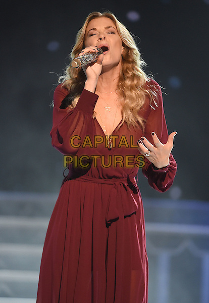 07 November 2015 - Nashville, Tennessee - LeAnn Rimes. 2015 CMA Country Christmas held at the Grand Ole Opry House.  <br /> CAP/ADM/LF<br /> &copy;Laura Farr/AdMedia/Capital Pictures