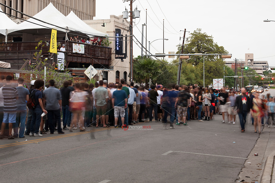 Big names make for long lines for final 24 hours of SXSW at Red River District music venues and clubs