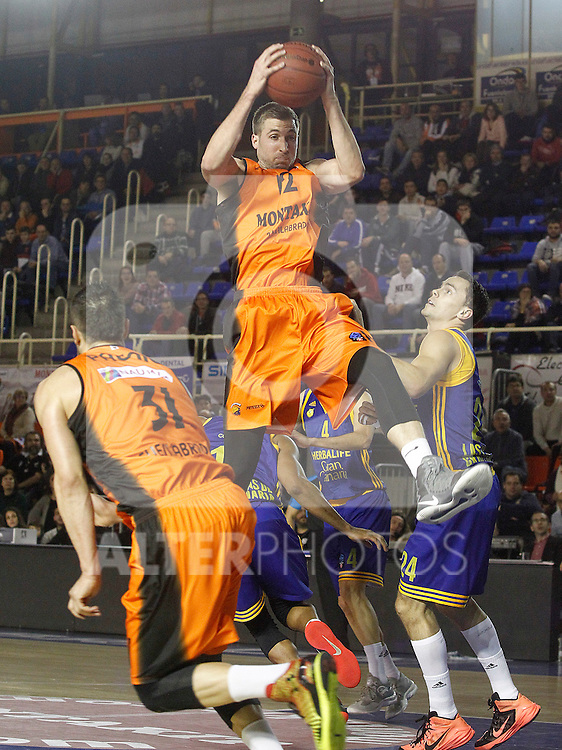 Montakit Fuenlabrada's Ivan Paunic (l) and David Wear (c) and Herbalife Gran Canaria's Kyle Kuric during Eurocup, Top 16, Round 2 match. January 10, 2017. (ALTERPHOTOS/Acero)