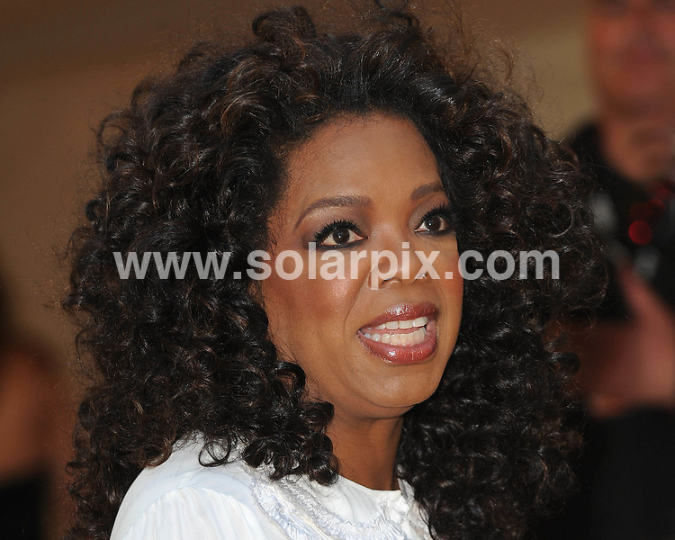 **ALL ROUND PICTURES FROM SOLARPIX.COM**.**WORLDWIDE SYNDICATION RIGHTS**.Guests arrive for the Nelson Mandela Dinner held in Hyde Park in London.         .This pic:Operah Winfrey.JOB REF:6730- SSD     DATE:25_06_08.**MUST CREDIT SOLARPIX.COM OR DOUBLE FEE WILL BE CHARGED* *UNDER NO CIRCUMSTANCES IS THIS IMAGE TO BE REPRODUCED FOR ANY ONLINE EDITION WITHOUT PRIOR PERMISSION*