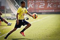 SÃO PAULO,SP,19 JULHO 2013 - TREINO CRFUZEIRO -  Mayke durante treino do Cruzeiro  no CT  do Palmeiras na Barra Funda, zona oeste de Sao Paulo,na manhã sexta feira.O time se prepara para o jogo contra o São Paulo no sabado (20).FOTO ALE VIANNA - BRAZIL PHOTO PRESS.