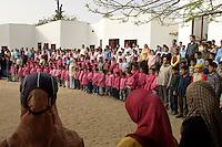 Egypte, Belbeis, 03 mei 2007.Sekem.Sekem school, begin van de dag met een lied.School, beginning of the day with a song. .Foto (c) Michiel Wijnbergh.