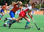 BLOEMENDAAL - Janneke van de Venne (MOP) met /bv28/  tijdens de tweede Play Out wedstrijd hockey dames, Bloemendaal-MOP (5-1)  COPYRIGHT KOEN SUYK