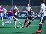 AMSTELVEEN - Daan Dullemeijer (SCHC) met Casper Horn (Adam)     tijdens  de hoofdklasse competitiewedstrijd hockey heren,  Amsterdam-SCHC (3-1). COPYRIGHT KOEN SUYK
